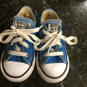 Converse kids shoes !! Good condition